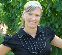 We are fortunate to have a talented winemaker in Lindsay Puddicombe.